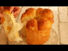 Soft and Fluffy Apple and Milk Bread: perfect to pair with chocolate spread or to eat as it is Bread Bun, Bread Rolls, Bread Recipes, Snack Recipes, Chocolate Spread, Dried Apples, Cake Videos, Dry Yeast, Bread Baking