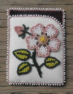 Card case that I made. Love the colors :) Carmen Dennis (Tahltan) Native Beading Patterns, Beadwork Designs, Bead Embroidery Patterns, Native Beadwork, Native American Beadwork, Beaded Jewelry Patterns, Beaded Embroidery, Bead Sewing, Beading Projects