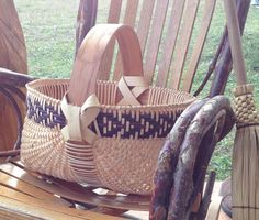 ROUND Egg Basket, Appalachian, Twill border