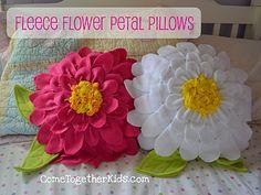 Fleece flower pillows tutorial