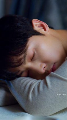 Sung Jong Ki, Song Joong Ki Cute, Soon Joong Ki, New Korean Drama, Korean Friends, Joon Hyuk, Handsome Korean Actors, Korea Boy, Taecyeon