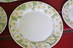 Five Vintage Metlox Poppytrail Daisy Plates 3 Dinner Plates 2 Salad Plates Shabby Chic Retro on Etsy, $22.00