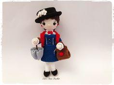 Nanny, inspiration Mary Poppins de la boutique CatsCreaCrochet sur Etsy