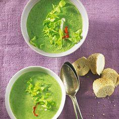 Kopfsalat-Creme-Suppe mit Ajvar - BRIGITTE