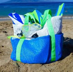 This really large, durable mesh beach bag tote has lots of room for towels and lots of large outside pockets all around for easy access. Easy to pack in a suitcase for plane travel and easy to hose off any residual sand.  #beachhacks