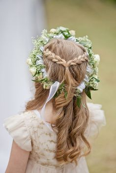 This half-up, half-down 'do is the prettiest. Cute Little Girl Hairstyles, Flower Girl Hairstyles, Down Hairstyles, Pretty Hairstyles, Braided Hairstyles, Wedding Hairstyles, Bridal Hairstyle, Hairstyles For School, Curly Hairstyle