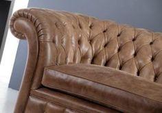Divani Chester di qualità a prezzi di fabbrica e garanzia 20 anni. Produzione e vendita divano Chesterfield su misura in pelle o tessuto.