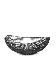 The hands of the Milan (Italy)-based designed Antonino Sciortino bring metal to life. Objects shaped from soft iron create a sculpture-like aura. Kitchen Surface, Design Tisch, Design Table, Metal Baskets, Milan Italy, Korn, Organic Shapes, Artisanal, Loreto