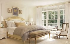 Interior decorator Suzanne Kasler opened the doors of her Regency-style house in Atlanta for a spread in this month's Architectural Digest. Dream Bedroom, Home Bedroom, Bedroom Decor, Pretty Bedroom, Master Bedrooms, Bedroom Colors, Calm Bedroom, Bedroom Ideas, Peaceful Bedroom