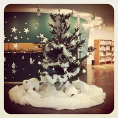 Christmas Ideas, Christmas Tree, Ds, Public, Holiday Decor, Home Decor, Teal Christmas Tree, Decoration Home, Room Decor