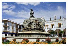 Esta alegoría de Cabeza del Buey, situada dentro del casco urbano, fue creada por el escultor López Arza. Entre los capbuvienses es conocida como la Fuente de la Jacinta.