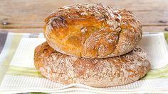 Dette brødet har gått som en farsott rundt i verden de siste årene. Norwegian Food, Norwegian Recipes, Sullivan Street Bakery, Scones, Granola, Side Dishes, Rolls, Food And Drink, Homemade