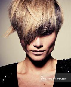 ZULLO & HOLLAND Mittel Blonde weiblich Gerade Farbige Multi-tonalen Definierte-Fransen Damen Haarschnitt Frisuren hairstyles