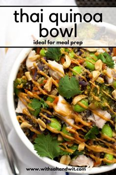 A healthy and filling, One Pot Thai Quinoa Bowl filled with crunchy veggies and drizzled with a spicy and addicting peanut sauce! Healthy One Pot Meals, Easy One Pot Meals, Healthy Meal Prep, Healthy Eating, Healthy Recipes, Healthy Foods, Clean Eating, Clean Meals, Healthy Grains