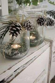 Kerst kaarsen met dennenappels - Woontrendz