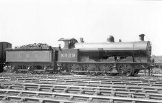 LMS (LNWR) class G2  0-8-0 Steam Trains Uk, Steam Railway, British Rail, Thomas The Tank, Train Journey, Steam Engine, Steam Locomotive, Old Photos, Engineering