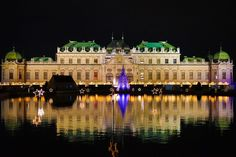 Check out our ultimate guide to all the best things to do in Vienna. Discover the very best things to do, eat, see and visit, the best Vienna events and more. A city that everyone falls in love with one way or another, find your favourite sites in Vienna.