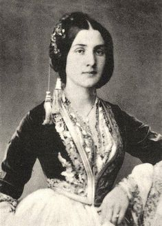 A young Greek woman from Smyrna, Asia Minor (modern day Izmir, Turkey) in traditional folk dress, taken in Greek Traditional Dress, Traditional Outfits, Queen Costume, Folk Costume, Old Photos, Vintage Photos, Greek Dress, Empire Ottoman, Greek Beauty