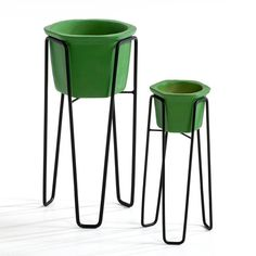 Set of 2 Elma Plant Pot Holders AM.PM. : price, reviews and rating, delivery. Set of 2 plant pot holders in different sizes. Metal wire structure Green ceramic pot. 1 large, measurements: 42 x 19.5 x 19.5 cm + 1 small, measurements: 32 x 14 x 14 cm.
