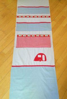 Ein neues Kleid für die Schranktüre / / Wandutensilo / Utensilo / Door Makeover / DIY Utensilo / Wohnwagen / Caravan Makeover / Knaus Passat 1978 / www.loloundtheo.blogspot.de