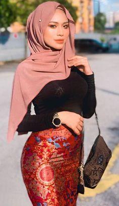 Beautiful Muslim Women, Beautiful Hijab, Beautiful Asian Girls, Hijab Teen, Girl Hijab, Iranian Women Fashion, Turkish Fashion, Modern Hijab Fashion, Muslim Fashion