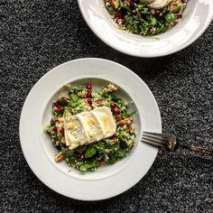 BULGUR SALAD WITH GRANATE APPLE, RUCOLA AND WALNUTS Bulgur Salad, Camembert Cheese, Vegan Recipes, Good Food, Healthy Eating, Vegetarian, Apple, Cooking, Garnet