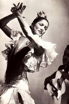 Carmen Amaya, 1913 - Legendary flamenco dancer Flamenco is a form of Spanish folk music and dance from the region of Andalusia in southern Spain. It includes cante (singing), toque (guitar playing), baile (dance) and palmas (handclaps). Shall We Dance, Lets Dance, Carmen Amaya, Spanish Dance, Spanish Woman, Gypsy, Pin Up, Dance Like No One Is Watching, Dance Movement