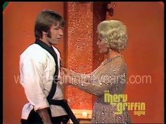 Chuck Norris and Eva Gabor - Karate Demonstration - 1971 - YouTube