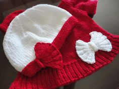 Ravelry: little red pattern by Suzanne Resaul