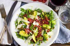 Weer een lekker recept uit de Koken met Aanbiedingen app: carpaccio met avocado en limoen. Heb jij de app al gedownload op je smartphone?