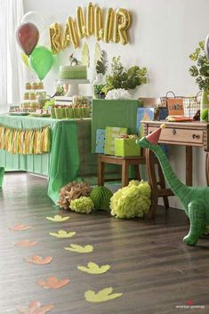 Dinosaur Birthday Party Ideas Birthday Party Printable Decorations<br> Our party planning experts share their tips on throwing the best dinosaur themed birthday party. You'll feel prehistoric with this roar-tastic birthday party theme! Dinasour Birthday, Dinosaur First Birthday, Fourth Birthday, 4th Birthday Parties, Birthday Party Decorations, Birthday Ideas, Dinosaur Party Decorations, Children Birthday Party Ideas, Party Themes For Kids
