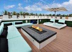 Roof Terrace Design, Rooftop Design, Deck Design, House Design, Small Fire Pit, Modern Fire Pit, Terrasse Design, Patio Grande, Rectangular Fire Pit