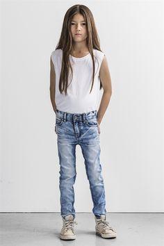 Alabama light blue jeans + Drest tank white