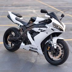 The Yamaha or is an open class sport bike, or superbike, motorcycle manufactured by Yamaha Motor Company since Wikipedia Motos Yamaha, Yamaha Yzf R1, Yamaha Motorcycles, Sport Motorcycles, Custom Motorcycles, Street Motorcycles, Custom Baggers, Vintage Motorcycles, Street Bikes