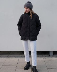 Funky Fashion, Knit Fashion, Unisex Fashion, Daily Fashion, Fall Winter Outfits, Autumn Winter Fashion, Winter Shoes, Cosy Outfit, Quilted Jacket