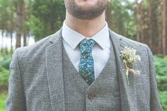 Tweed Groom Suit Floral Tie Gypsophia Buttonhole Quirky Natural Woodland Wedding http://lisahowardphotography.co.uk/