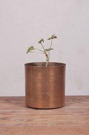 H.SkjalmP - Flower Pot raw Brass, ⌀ 10 cm - Inredning Hemmet