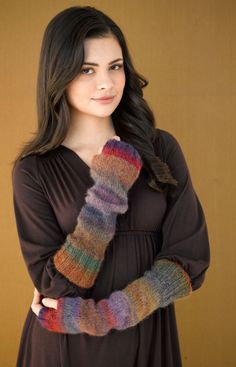 Free Knitting Pattern 90612AD Dolce Fingerless Gloves : Lion Brand Yarn Company