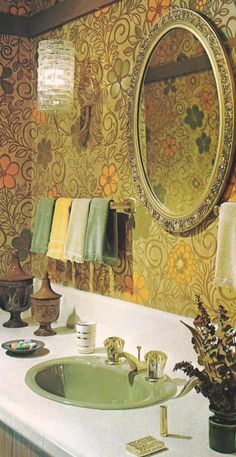Vintage Decorating, Vintage Accessories and oh the ever popular wallpaper