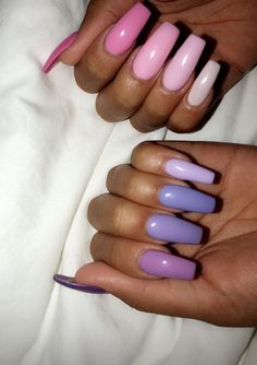 Nail art is the essence of decent beauty as nails speak volume about you. Traveled through the ancient tales of art and beauty, nail art now has become an ocean of more or less defined sense of self. Acrylic Nails Natural, Summer Acrylic Nails, Best Acrylic Nails, Pastel Nails, Purple Nails, Acrylic Nail Designs, Purple Ombre, Nagellack Design, Nagellack Trends