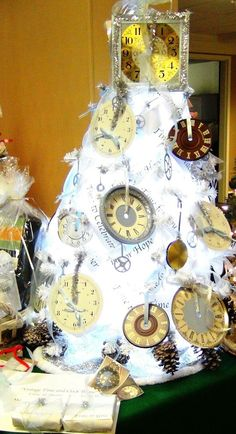 The finished Time and Clock Themed Tree With Gift Watches Wrapped!