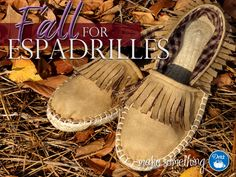 Dritz Espadrilles: Make them in Suede for Fall. Great DIY / easy sewing project for fabulous fall fashion! Fashion Images, Diy Fashion, Autumn Fashion, Fashion Tips, Fashion Design, Fashion Trends, Leather Moccasins, Easy Sewing Projects, Sock Shoes