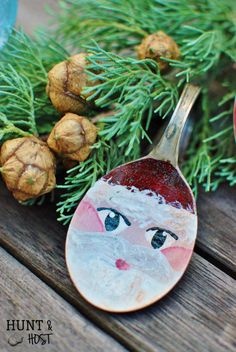 Silver Spoon Santa: Mismatched flatware gets a makeover. This step by step paint tutorial shows you how to make Santa spoons, plus a few other holiday ideas. Great for Ornaments, gifts and Christmas décor! www.huntandhost.net