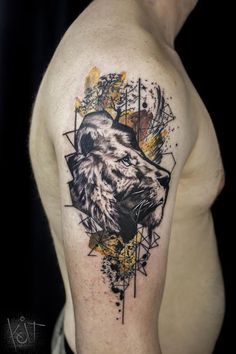 Koit Tattoo - Graphic style Lion arm tattoo in black & yellow. Berlin // Travelling tattoo inspiration | germany | photoshop style | Animal tattoo | inked man | tattoos for guys | tattoos | tattoo ideas | tatuajes | ink art