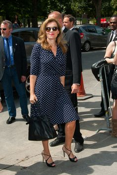 Valerie Trierweiler Photos - Valerie Trierweiler seen arriving at Chanel Haute Couture Fall-Winter fashion show during the Paris Fashion Week. - PFW: Arrivals at the Chanel Runway Show Fashion Week Paris, Fashion Show, Chanel Runway, Love Her Style, Style Inspiration, Melinda Gordon, Politicians, How To Wear, Illusion