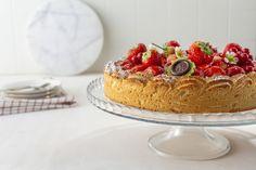 Parijse aardbeien-vanilletaart - 24Kitchen Rudolph's Bakery, Cupcake Cakes, Cupcakes, High Tea, Fun Desserts, Sweet Tooth, Cheesecake, Cookies, Recipes