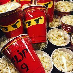 Gezonde traktatie: lego ninjago kai met pop-corn! - #gezonde #kai #lego #Met #NINJAGO #popcorn #traktatie Ninja Birthday Cake, Ninja Birthday Parties, Birthday Party Snacks, Kid Party Favors, Birthday Gifts, Lego Ninjago Cake, Ninjago Party, Ninjago Kai, Cake Inspiration