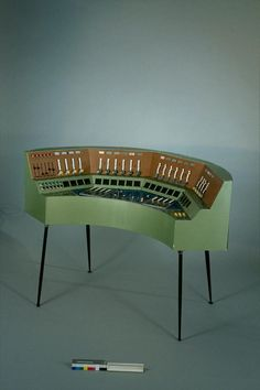 I don't know what this actually is/does, but I think I need it. Christian Clozier's Gmebaphone musical instrument, 1975