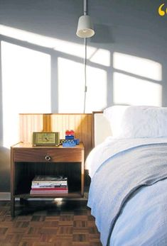 PressReader.com - Your favorite newspapers and magazines. Bucket Chairs, Pop Up Art, My Life Style, Creature Comforts, Guest Bed, Comfort Zone, A Good Man, Magazines, Minimalism