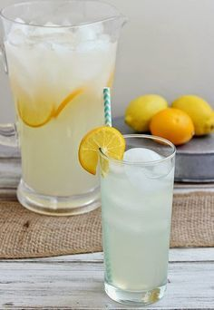Perfect Lemonade - Is there a more cool and refreshing drink when the weather warms up? This lemonade has the perfect balance of sweet and tart. Serve it up at your next get-together! Refreshing Drinks, Summer Drinks, Cold Drinks, Summer Recipes, Fall Recipes, Limeade Drinks, In Vino Veritas, Coffee Is Life, Non Alcoholic